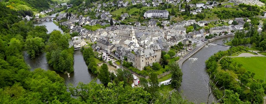 Hotel au confluent du Lot et de la Truyère - Aveyron