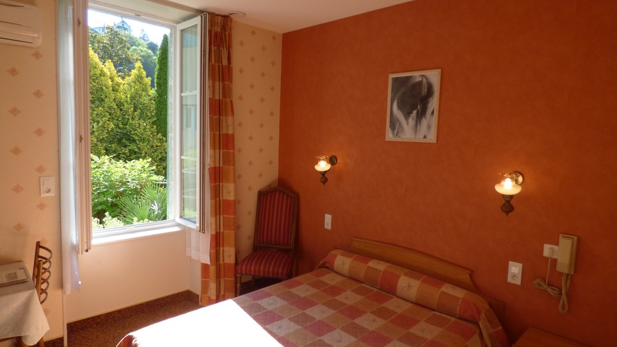 Aveyron lodging: Rooms accessible to the handicapped people