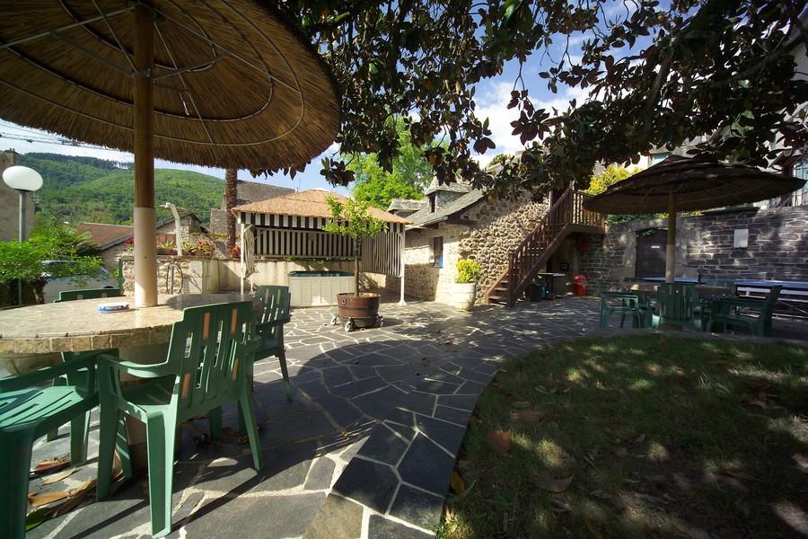 Hotel restaurant avec jardin
