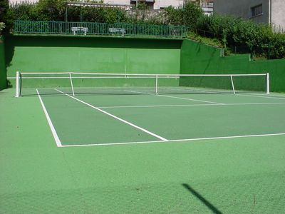 Hotel with tennis courts - Aveyron - France