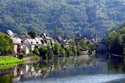 Entraygues, village entre les eaux - Aveyron hotel