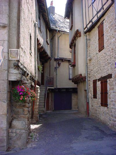 Ruelles médiévales, maisons à colombages - Aveyron hôtel