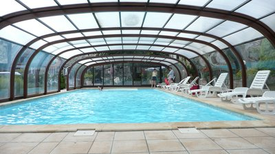 Piscine couverte � Entraygues sur Truy�re