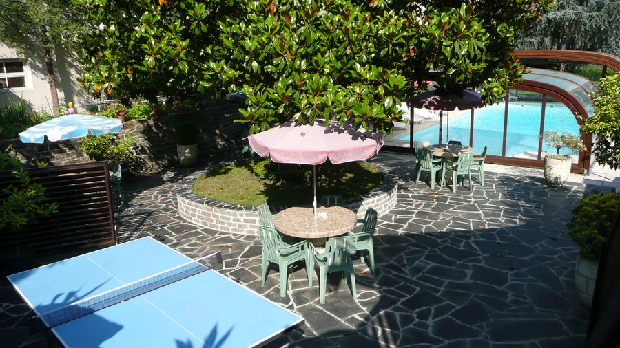 Piscine � Entraygues sur Truy�re