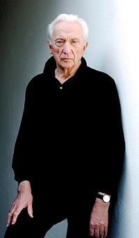 Pierre Soulages est né à Rodez le 24 décembre 1919
