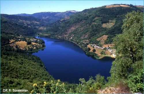 Le lac de Couesque - Lacs Aveyron - France