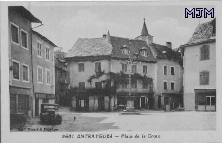 Place de la croix 1935 - Entraygues - Aveyron