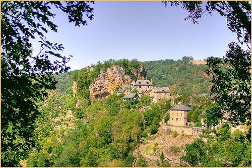Site de Rodelle, beau village du Causse Comtal en aveyron