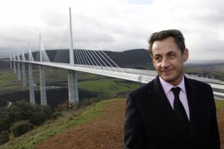Nicolas Sarkozy en Aveyron visite le viaduc de Millau