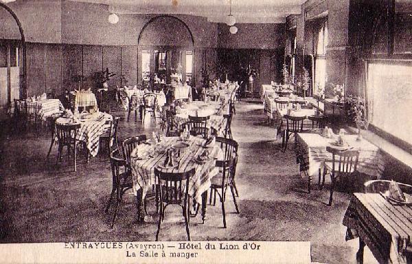 Hôtel du lion d'or: la salle à manger du restaurant