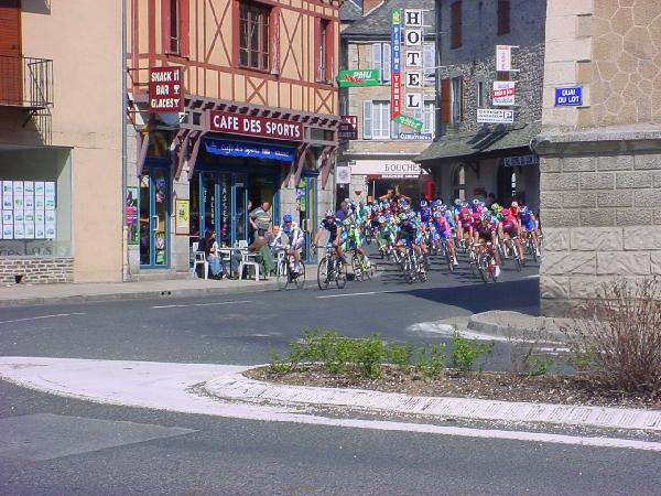 Paris-Nice � Entraygues-sur-Truy�re - Aveyron France