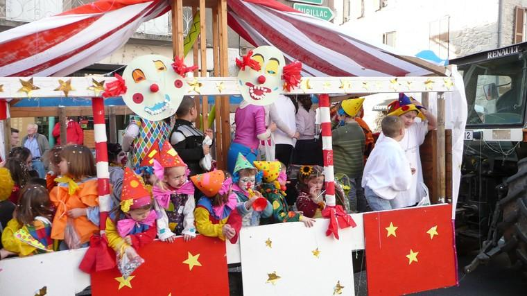 Carnaval Entraygues sur Truyère Aveyron