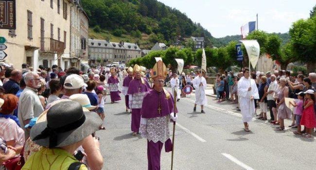Procession historique de la Saint Fleuret - Estaing - Aveyron