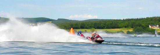 Jet ski sur Pareloup