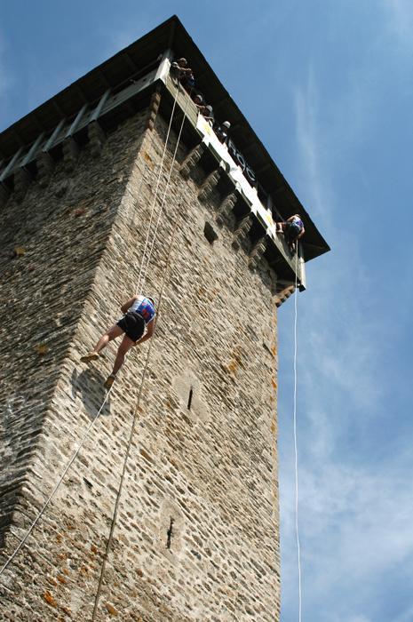 Challeng' Aveyron Aventure saut à l'élastique, mur d'escalade