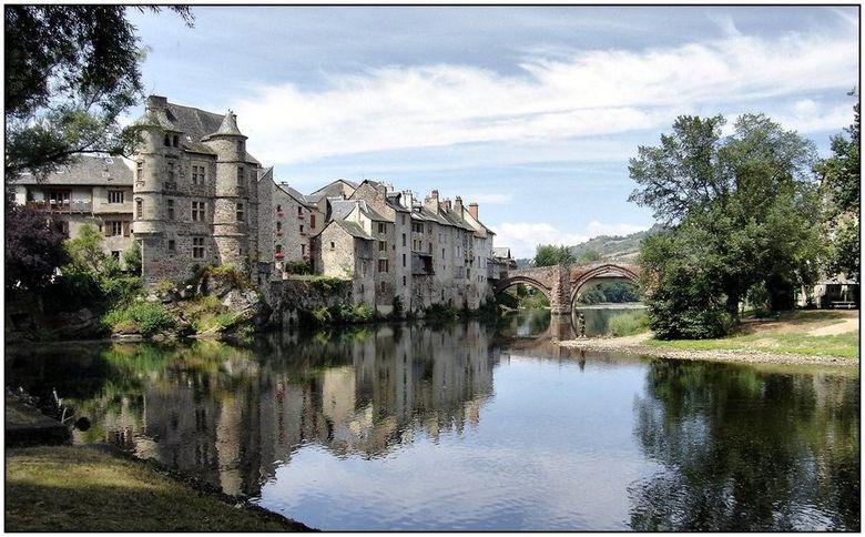 Le vieux palais et le pont - Espalion - Aveyron
