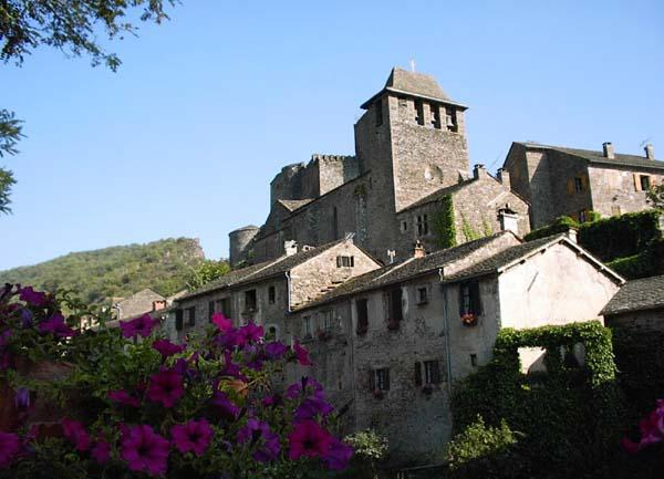 Château-fort du Moyen-Age de Brousse
