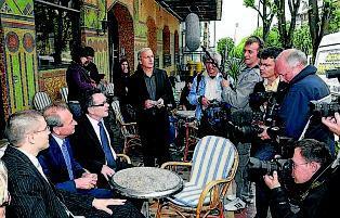 Bertrand Delano� de retour en Aveyron