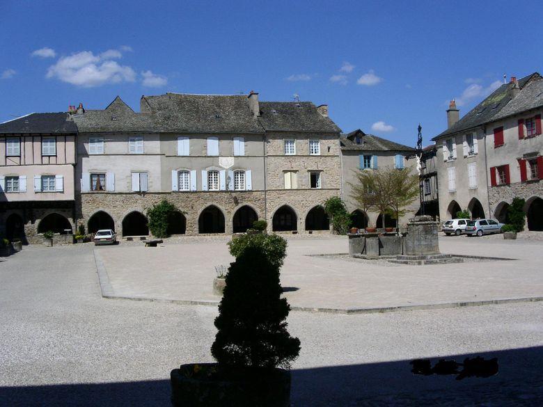 Sauveterre de Rouergue, une des bastides, villes neuves du Moyen-Age,