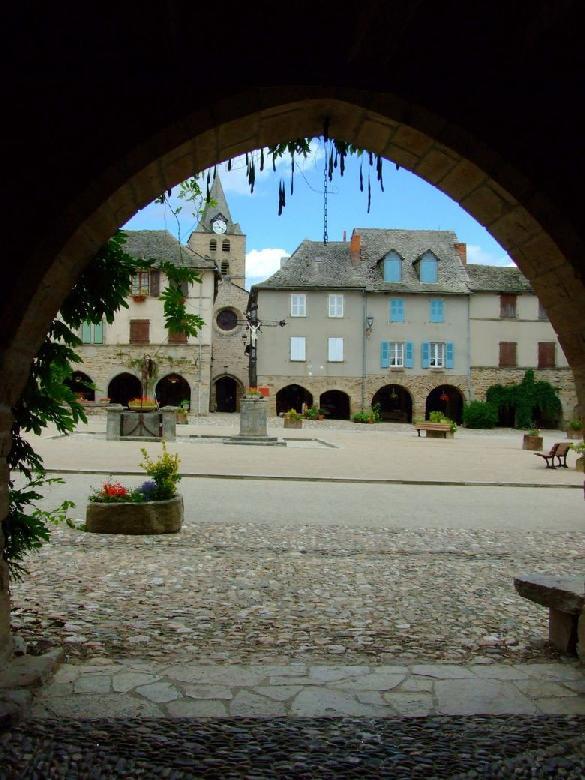 Sauveterre de Rouergue en Aveyron