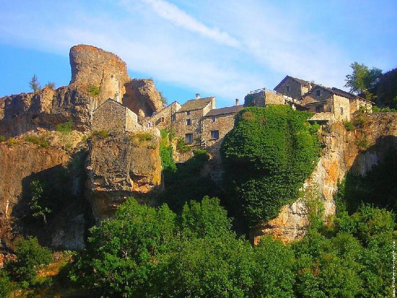 Cantobre dans la vallée de la Dourbie - Aveyron