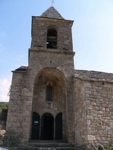 Le village de Cantobre, sa petite église