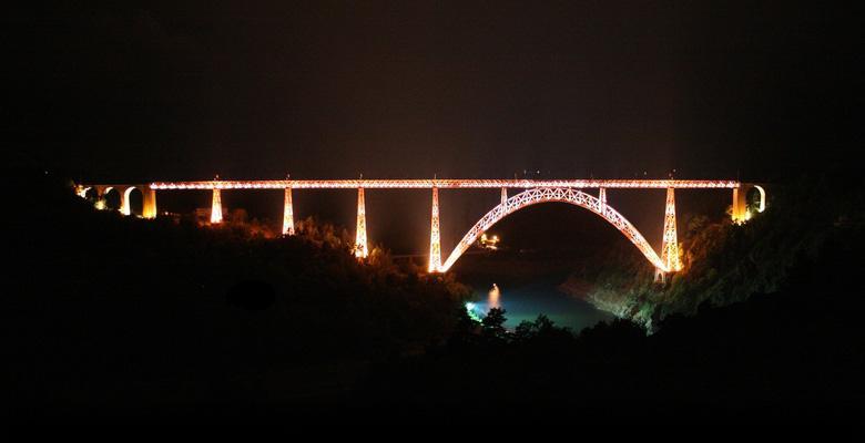 Eclairage et illumination du pont viaduc de Garabit