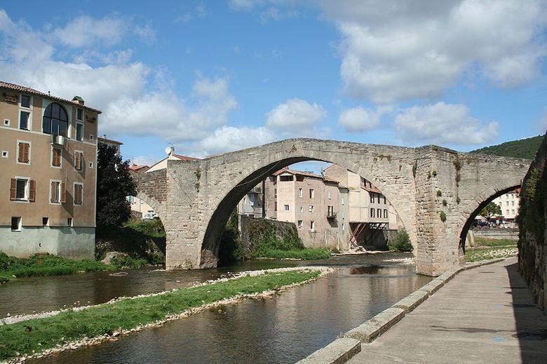Saint-Affrique compte cinq ponts sur la Sorgues