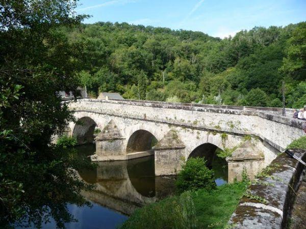 Le Pont de Cirou près de Crespin dans l'Aveyron
