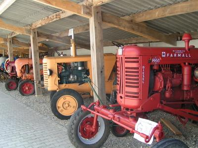 Locomobile à vapeur, alambic, batteuses, moteurs, tracteurs...