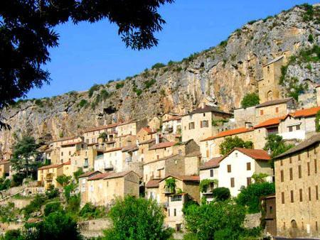 Peyre est le dixième village d'Aveyron classé Plus beaux villages de France.