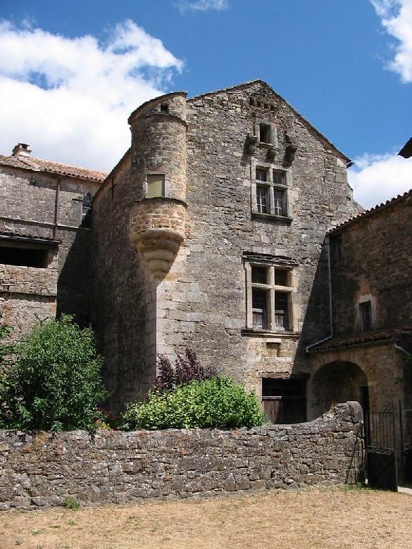 L'échauguette, détail de la cour intérieure de la commanderie des sites templiers et hospitaliers de Ste-Eulalie-de-Cernon