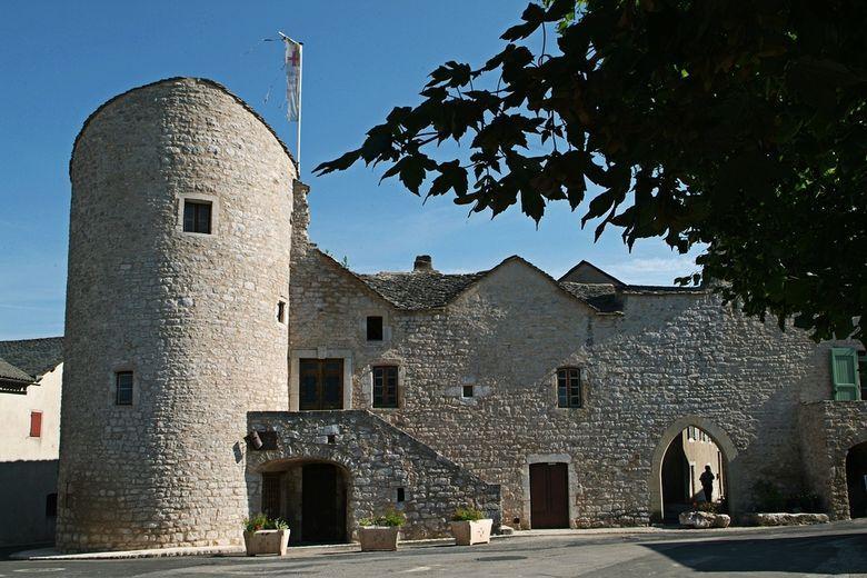 Les Templiers y ont d�velopp� un village que les Hospitaliers ont entour� d'une enceinte, en grande partie conserv�e aujourd'hui