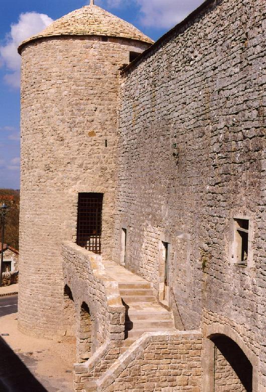 La Cavalerie et son enceinte fortifiée par les Templiers au XVe siècle