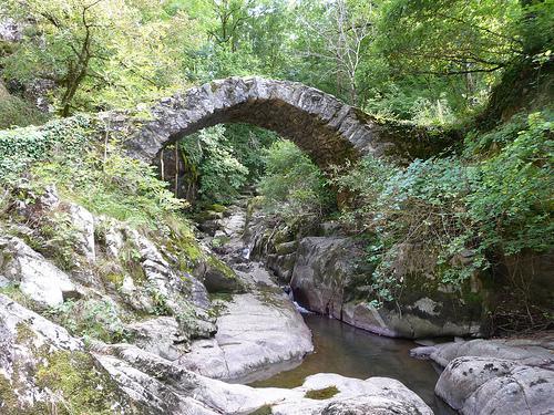 Pont romain de Peyrusse le Roc - Aveyron