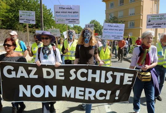 Des milliers contre les gaz de schiste dans l'Aveyron et le Lot