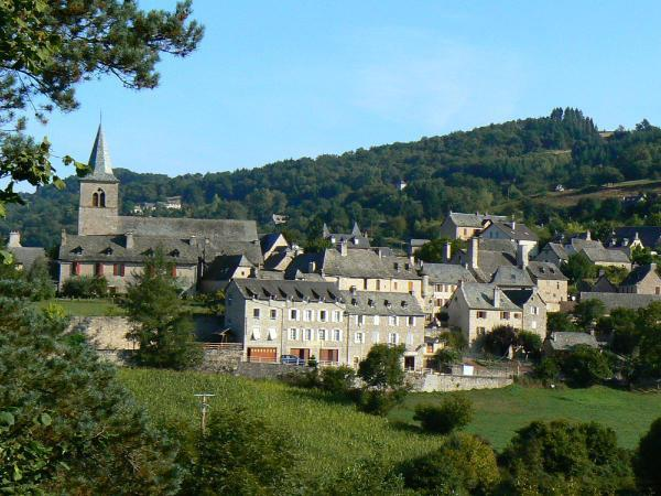 Derni�re �tape avant Conques sur le chemin de Saint Jacques de Compostelle, Espeyrac reste un village authentique et pr�serv�.