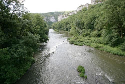 L'Aveyron est une rivière abondante, mais très irrégulière,<br>comme la plupart des cours d'eau du bassin versant de la Garonne.