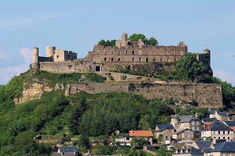Façade renaissance du château de Séverac. Les Arpajon transformèrent le château de forteresse en un palais de style Renaissance.