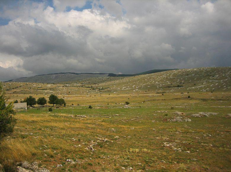 Les Causses et Cévennes font désormais partie du patrimoine mondial de l'Humanité. Le périmètre du classement s'étend sur 3 000 km2 entre Aveyron, Lozère, Gard et Hérault.