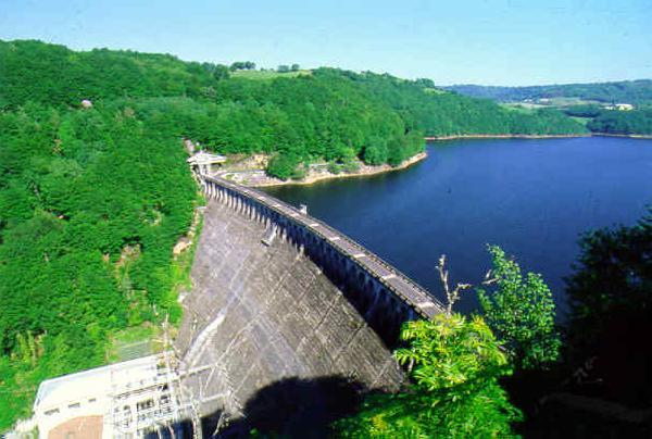 Le barrage hydroélectrique de Sarrans - Aveyron