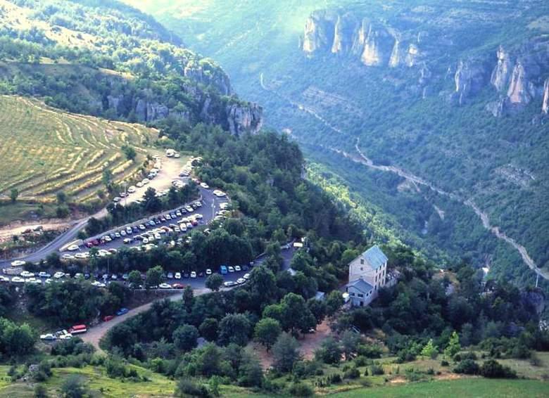 Vue aérienne du site de Dargilan situé à 7 km de Meyrueis dans le sud de la Lozère.