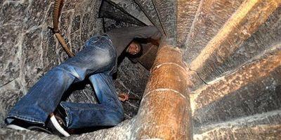 Découvrez la tour carrée des rois d'Aragon et le donjon octogonal, arpentez cet édifice de pierre et ses escaliers en vis.