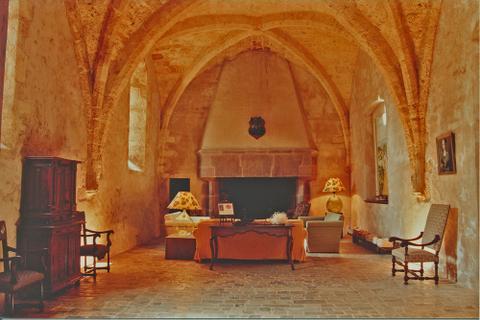 Le château fut ensuite propriété des Montcalm et des Gozons jusqu'à la révolution.