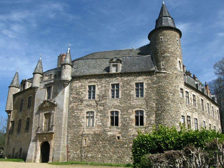 Le Château de Vizins, une demeure familliale habité toute l'année, depuis plus de 900 ans !