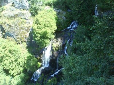 La cascade du Saut du Chien, dans cette excroissance de Midi-Pyrénées qu'est le Carladez.