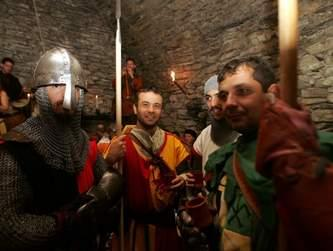 Fêtes et spectables des médiévales d'Estaing dans l'Aveyron