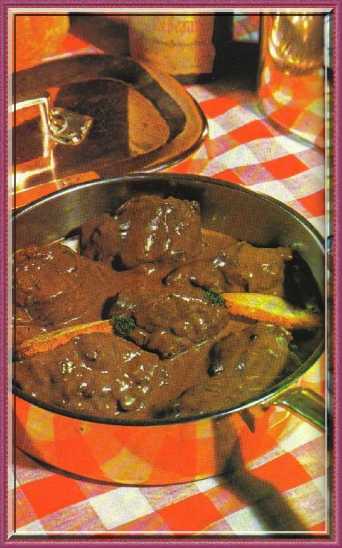 Le coufidou millavois ou de Millau est une recette est proche de celle de la daube de bœuf.