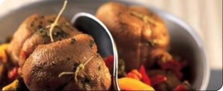 Avant tout, les trenèls sont un plat de ménage rural élaboré sur les territoires d'élevages de la brebis laitière du sud Aveyron dans le Massif central.