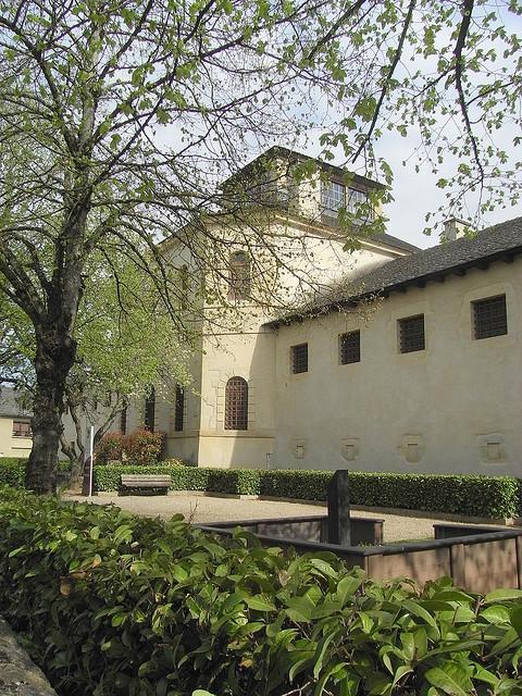 Le Mus�e du Rouergue est situ� dans les anciennes prisons d'Espalion